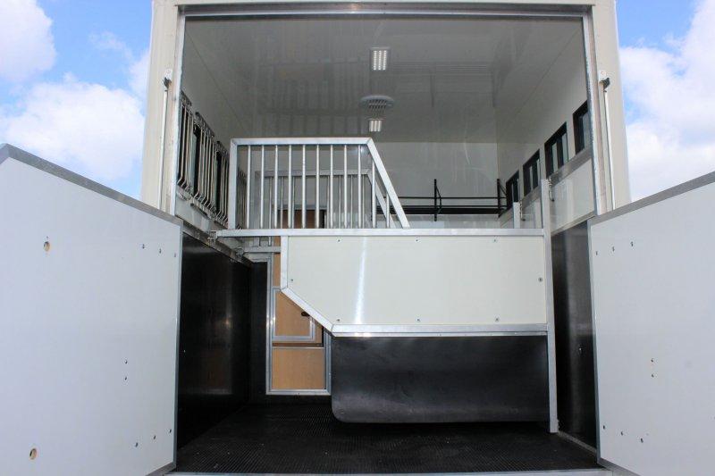 John Rose Coach Built Automatic Horsebox