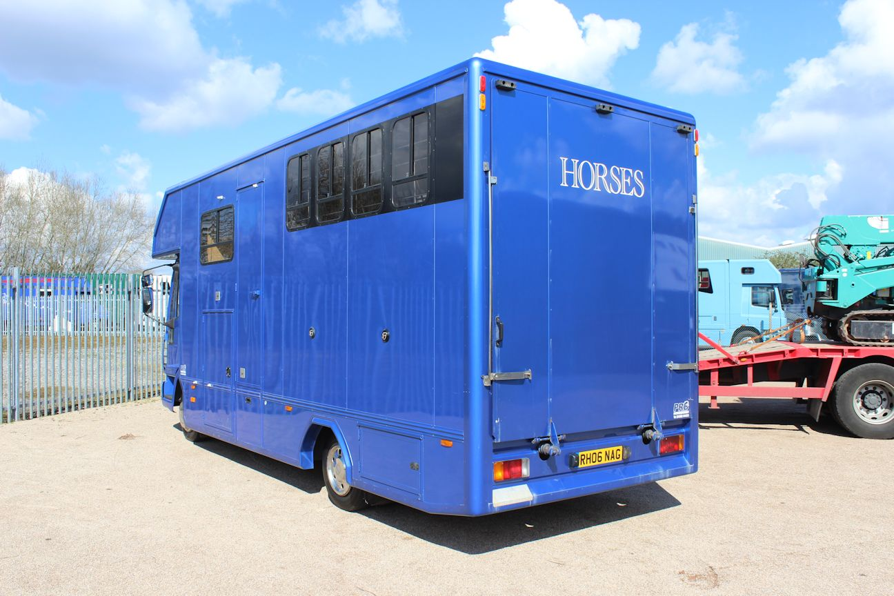 Prb Compact 7 5t Horsebox Central England Horseboxes
