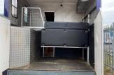 02-horsebox-stalls