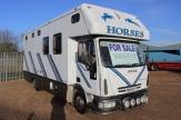 whit horsebox front