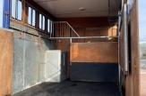 bourne-horsebox-stalls