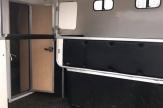 valiant horsebox stalls