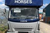 vel-horsebox-front