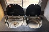vel-horsebox-sink