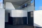 great-horsebox-stalls