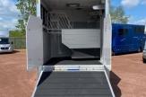 yng-horsebox-ramp