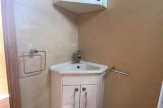 8t-horsebox-bathroom