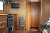automatic horsebox tv