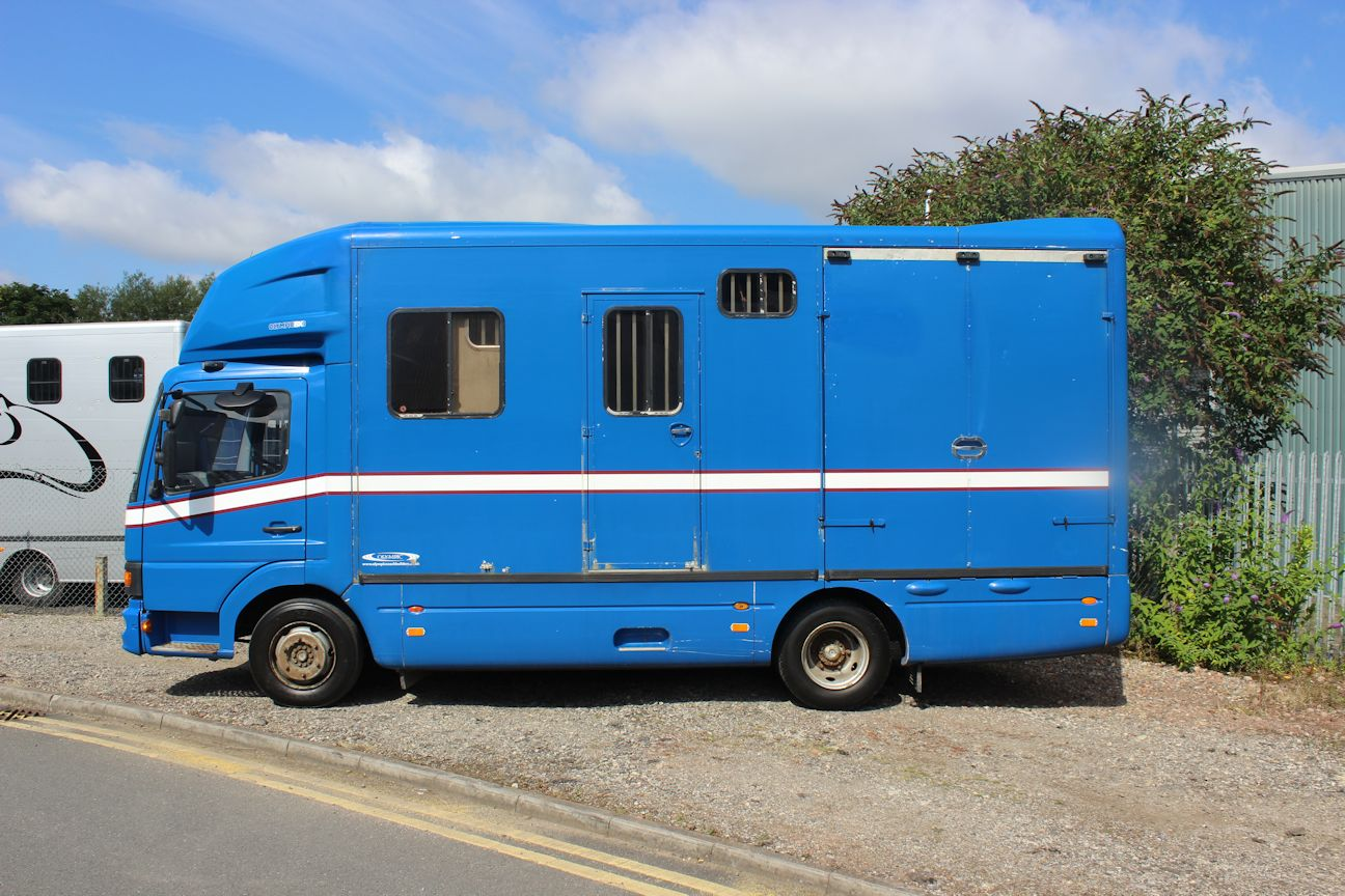 Compact Mercedes Olympic 7 5t Central England Horseboxes
