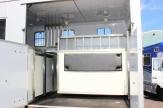 coachbuilt-horsebox-partition