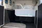 shiny-horsebox-stalls