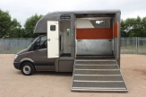 auto horsebox open