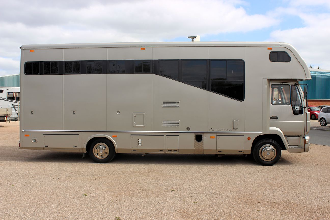 Stunning 7 5t Sovereign Horsebox Central England Horseboxes