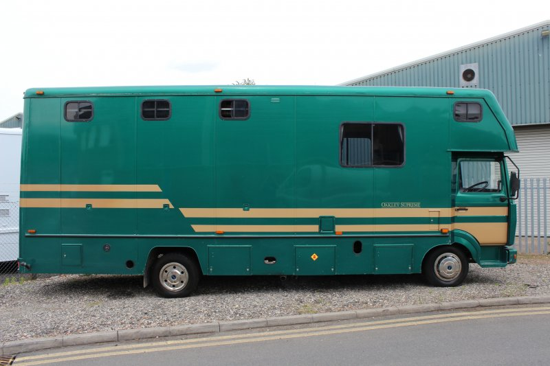 oakley horsebox for sale used