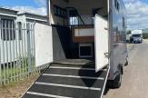 maj-horsebox-ramp