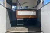 maj-horsebox-stalls