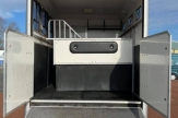 hmo-horsebox-stalls