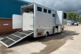 slide-out-horsebox-rear