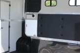 mik horsebox partition