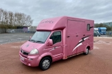 katie-price-horsebox-main