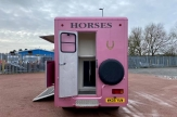 katie-price-horsebox-nice