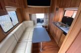 side-ramp-horsebox-luxury