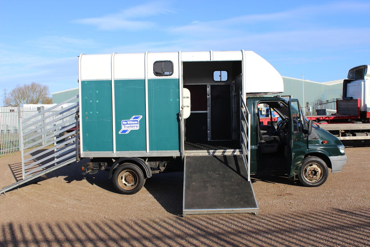 Ifor Williams Transit 3 5t Horsebox Central England