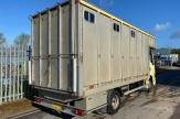 custard-horsebox-rear