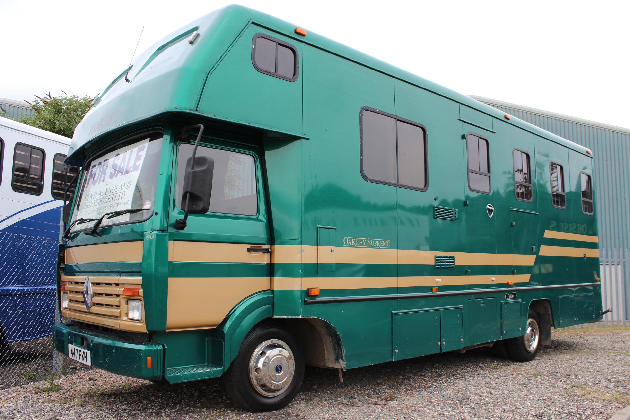 Oakley Supreme Horsebox Worcestershire West Midlands 7 5