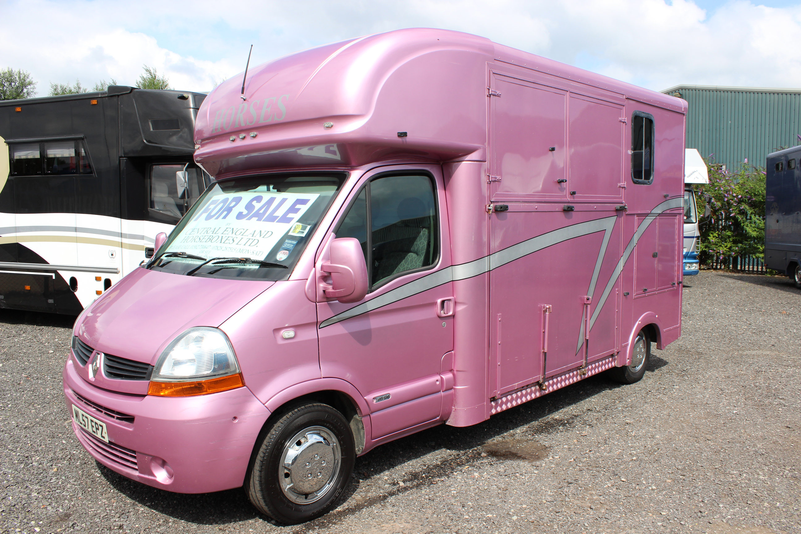 Pink 3 5t Horsebox For Sale Warranty Worcestershire