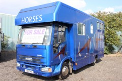 COMPACT LUXURY COACHBUILT HORSEBOX FOR SALE.