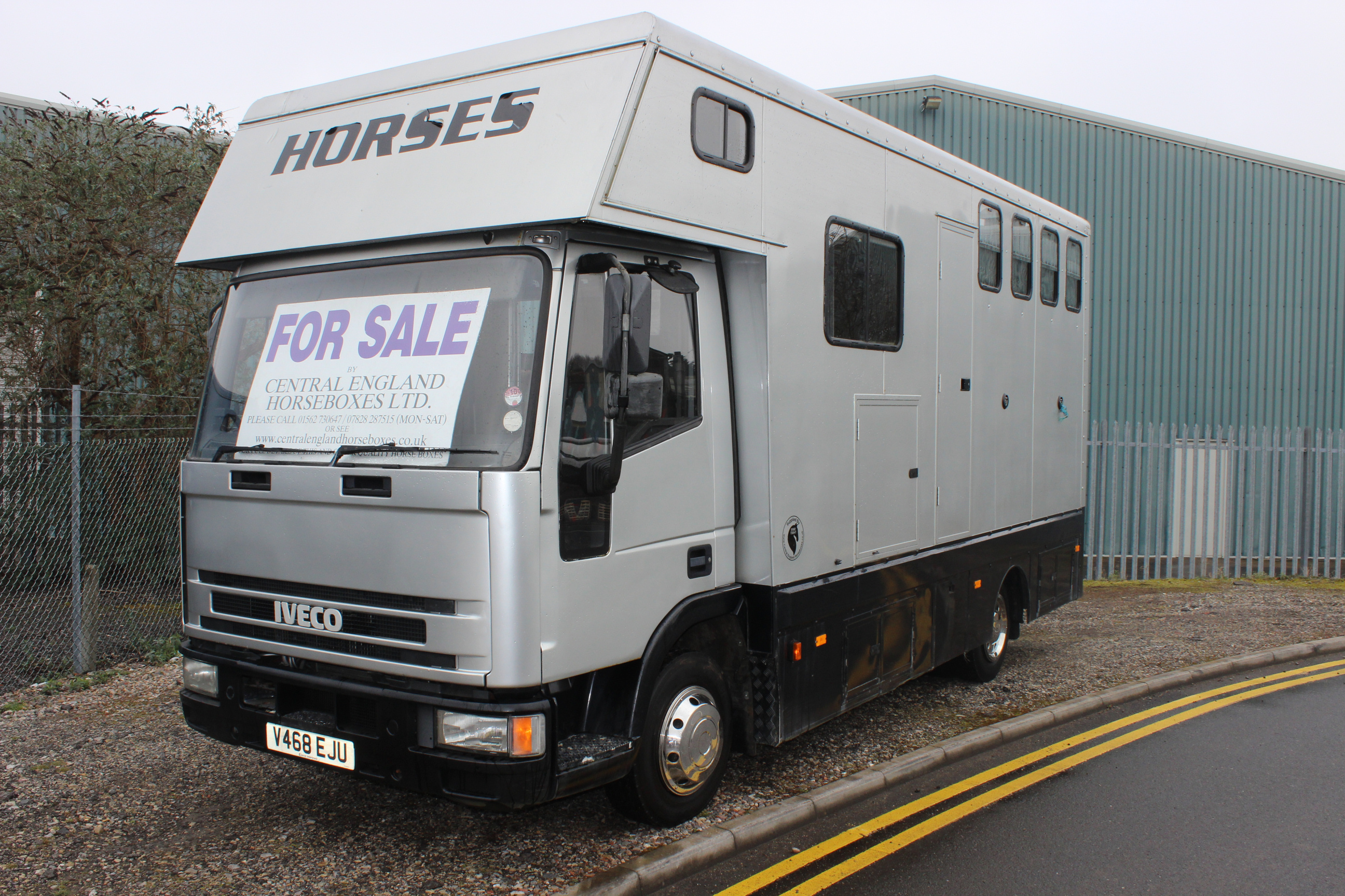 Iveco 7 5t Compact Horsebox Central England Horseboxes