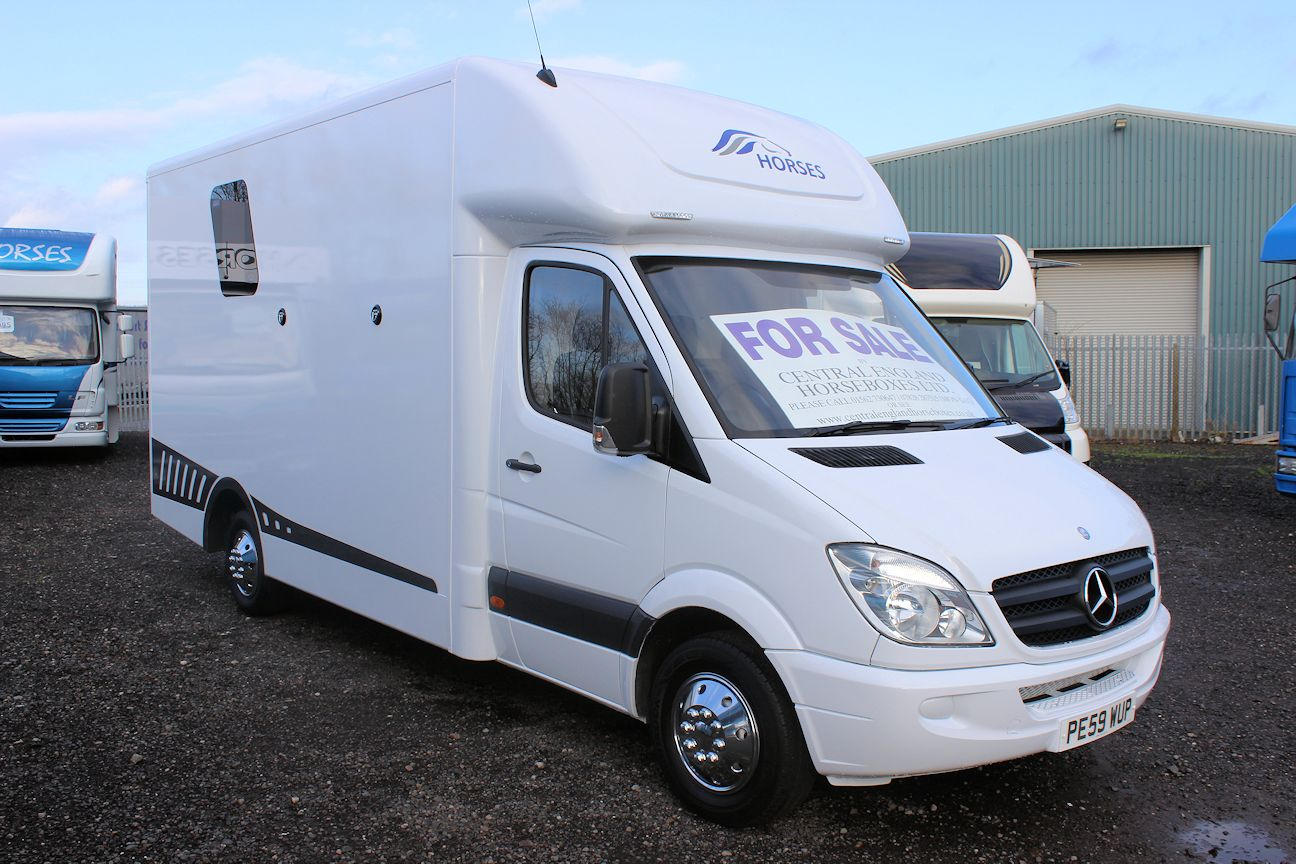 3.5 ton mercedes horsebox for sale brand new build 2 stall warranty