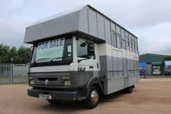 COACHBUILT HORSEBOX WITH FULL LIVING