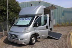 Compact 3.5t horsebox by Select