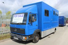 Mercedes 814 7.5t Horsebox.